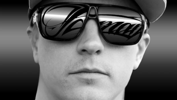 Kimi Raikkonen, con gafas de sol, muestra un rostro que refleja su sobriedad | devianART